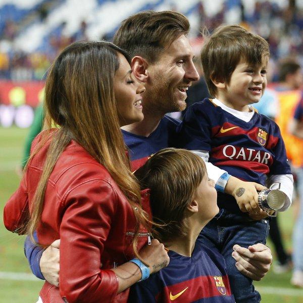 Семейство Месси после победы в Кубке Испании