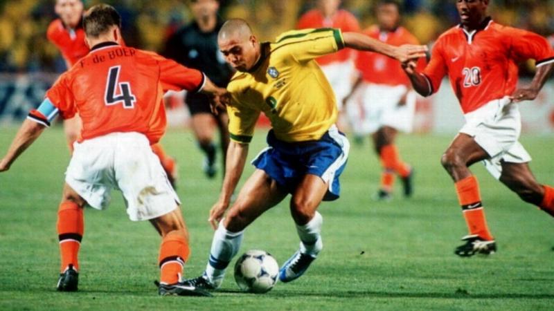 ЧМ-1998. Роналдо проходит голландцев