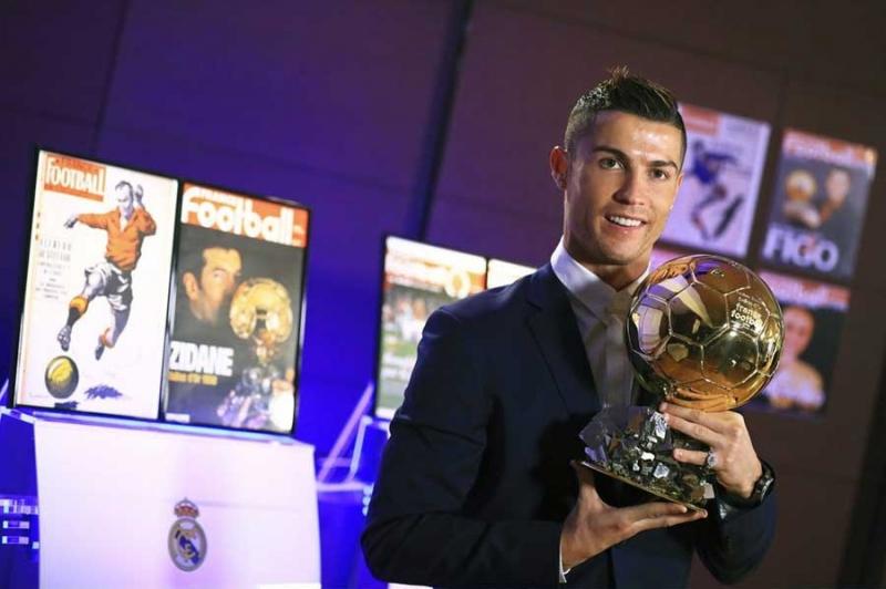 Футбол фотографии. Футбольные фото. Красивые и знаковые моменты в футболе. Фото известных футболистов