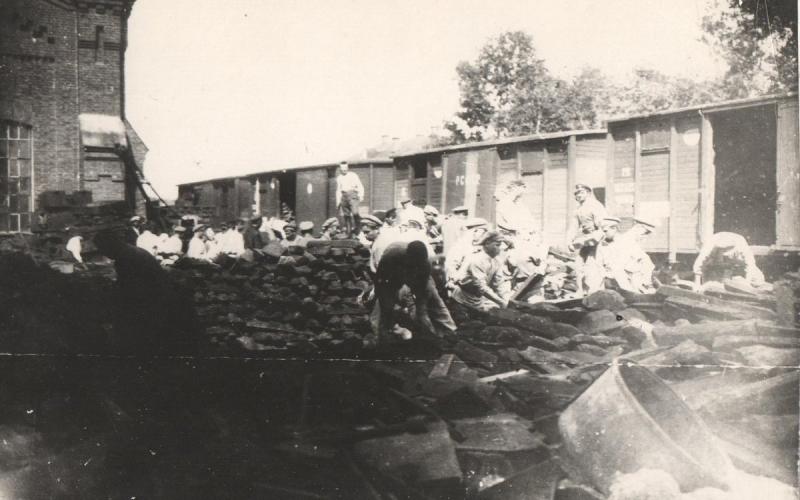 1919. Первый Коммунистический субботник на Казанском вокзале.