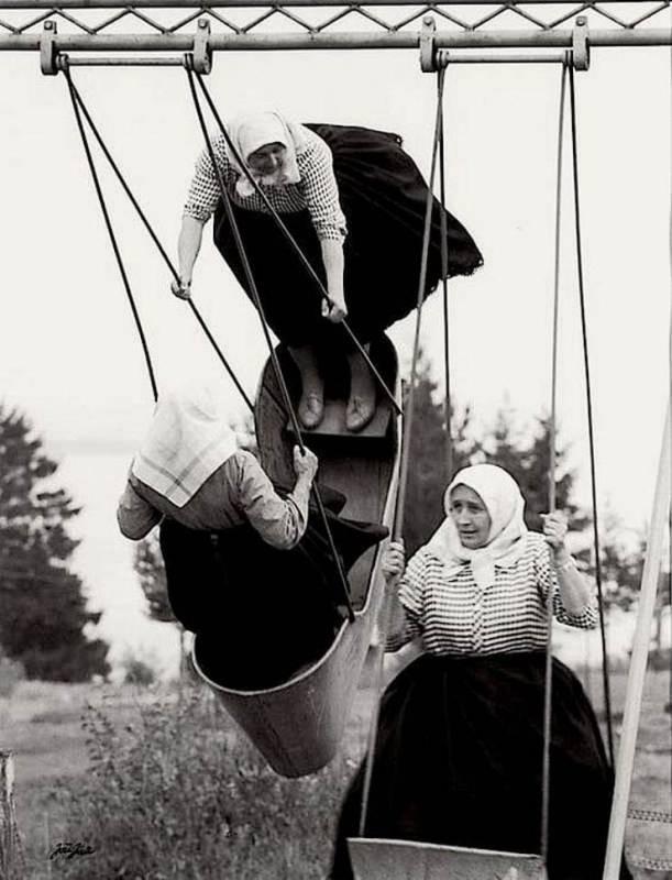 Бабушки на качелях, Словакия, 1966 год