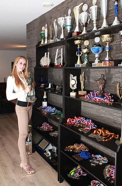 Верона ван де Люр - Verona van de Leur - Из большого спорта в порноиндустрию