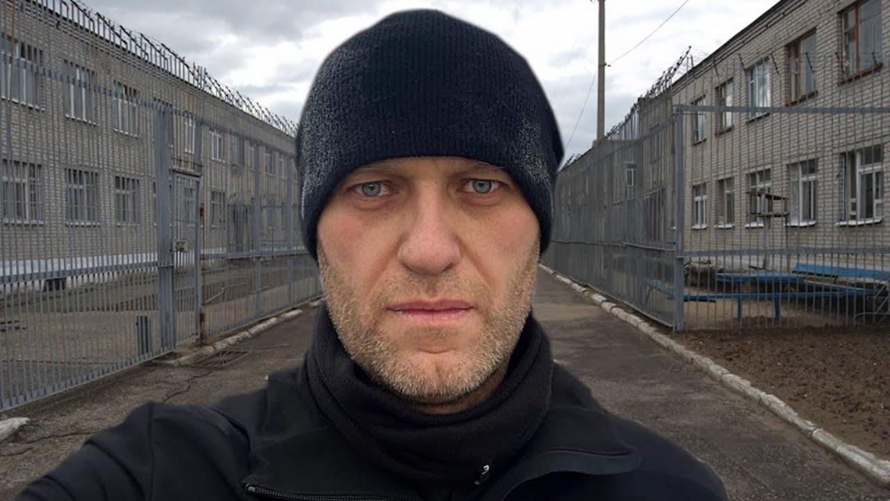 Навальный о жизни в колонии. Полумиллионный митинг в России. Что думают люди о дворце Путина
