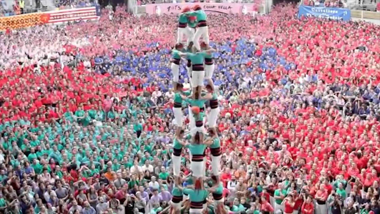 Башни из людей. Таррагона, Испания.